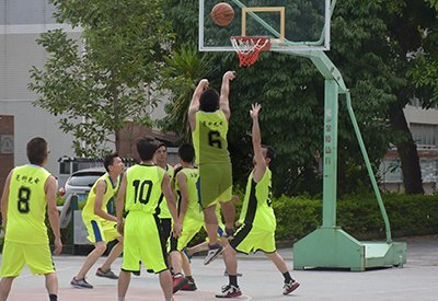 OKT organized a excited basketball game on July 2th